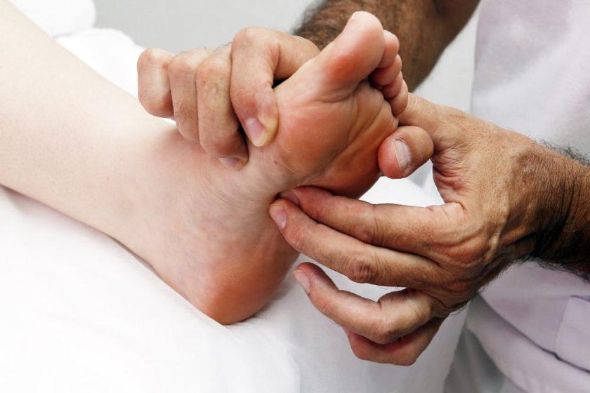 Fußreflexzonenmassage gegen Nierenschmerzen
